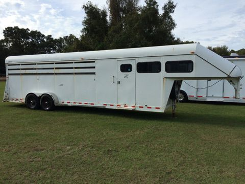 1999 Trail Magic   5 Horse Slant Load Gooseneck Horse Trailer