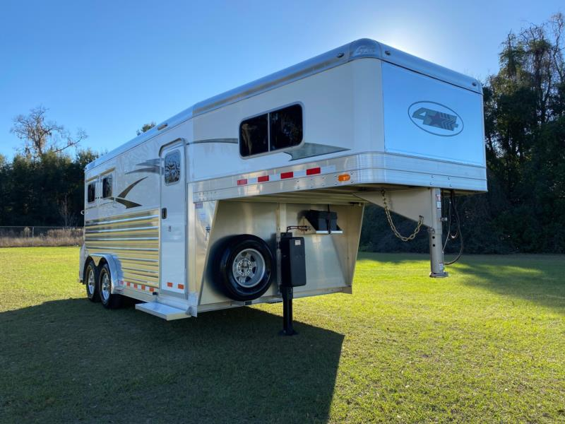 2018 4 Star   2 Horse Slant Load Gooseneck Horse Trailer SOLD!!!