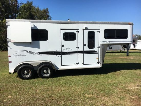 2001 Sundowner   2 Horse Straight Load Gooseneck Horse Trailer
