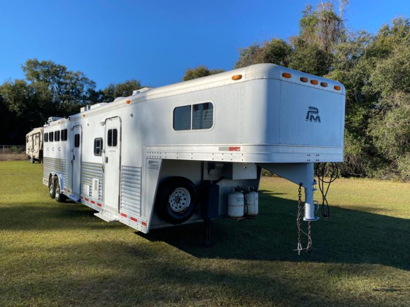 2005 Platinum   4 Horse Slant Load Gooseneck Horse Trailer With Living Quarters