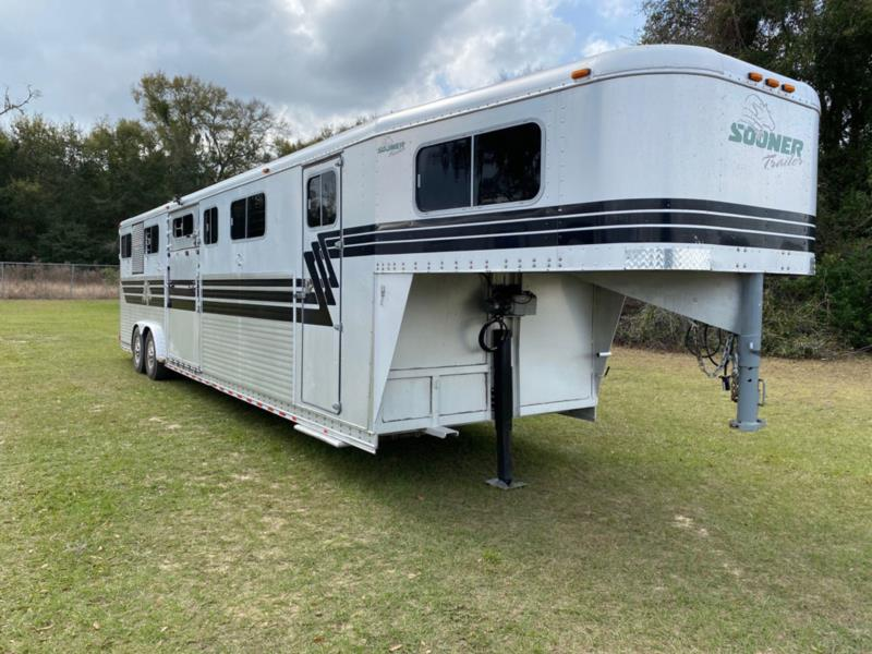 2000 Sooner Head to Head  6 Horse Gooseneck Horse Trailer SOLD!!!