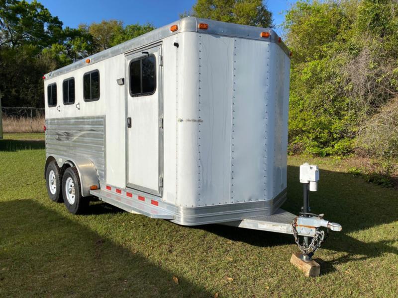 2004 Dream Coach   3 Horse Slant Load Bumperpull Horse Trailer SOLD!!!