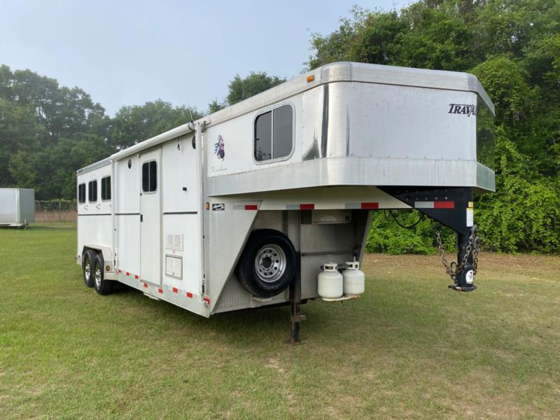2008 Travelong   3 Horse Slant Load Gooseneck Horse Trailer With Living Quarters
