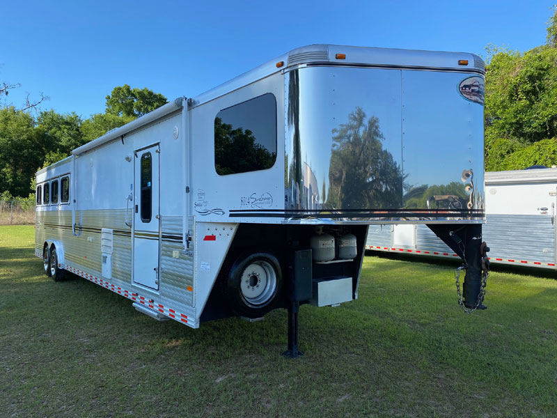 2007 Sundowner 14'  4 Horse Slant Load Gooseneck Horse Trailer With Living Quarters