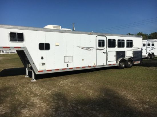 2003 Featherlite   4 Horse Slant Load Gooseneck Horse Trailer With Living Quarters