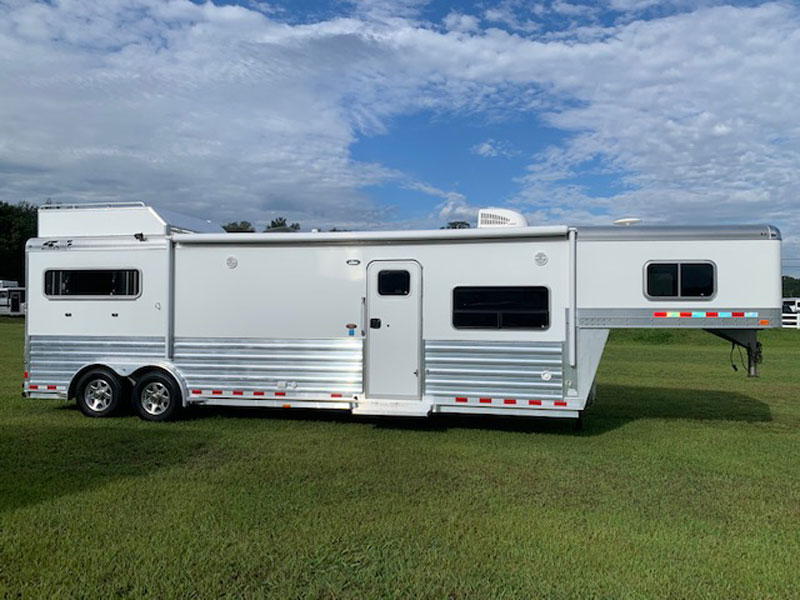 2018 4 Star   2 Horse Slant Load Gooseneck Horse Trailer With Living Quarters