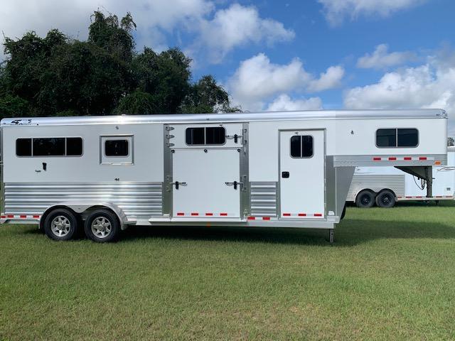 2018 4 Star 2+1  2 Horse Slant Load Gooseneck Horse Trailer SOLD!!!