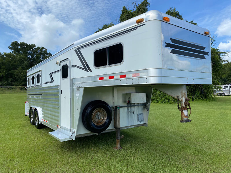 2004 4 Star 6' Short Wall  3 Horse Slant Load Gooseneck Horse Trailer With Living Quarters