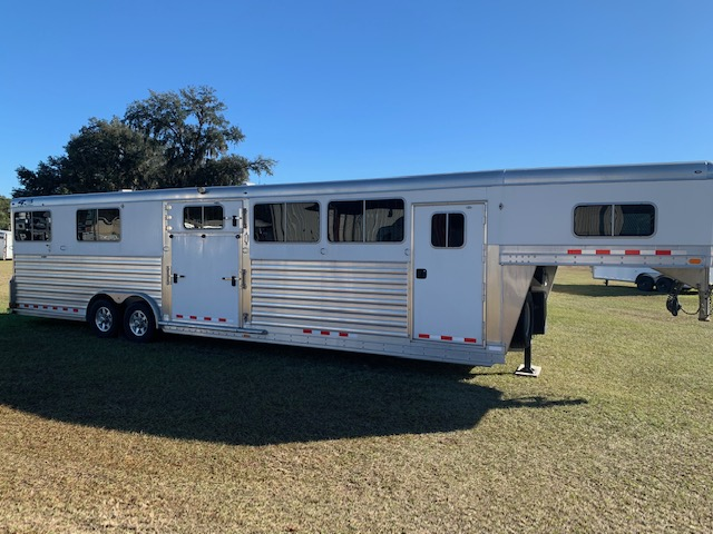 2019 4 Star Head to Head  6 Horse Gooseneck Horse Trailer SOLD!!!
