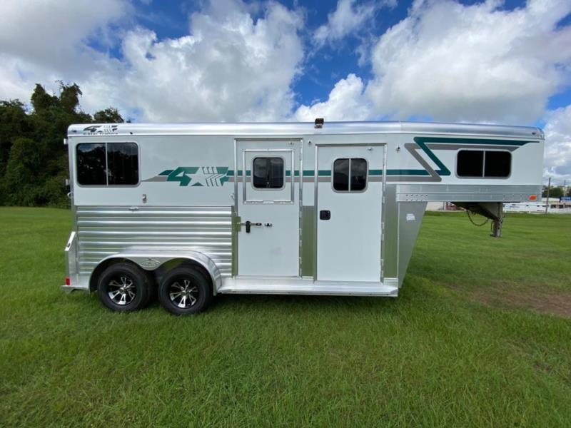 2022 4 Star   2 Horse Straight Load Gooseneck Horse Trailer
