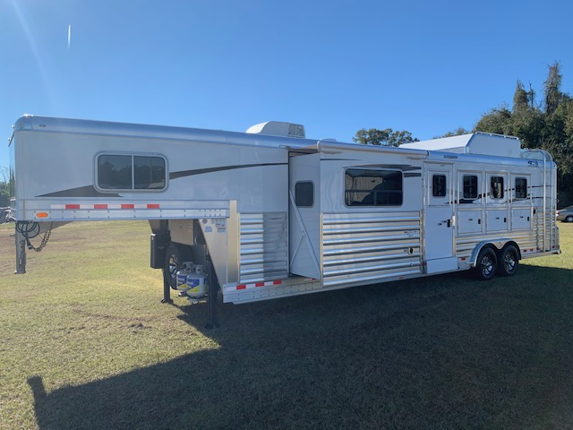 2021 4 Star   4 Horse Slant Load Gooseneck Horse Trailer With Living Quarters SOLD!!!