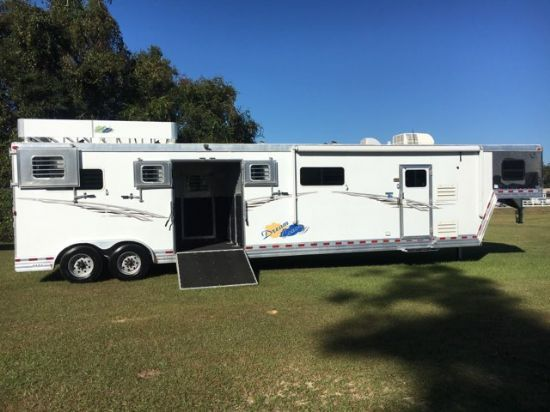 2007 DreamCoach Head to Head  5 Horse Gooseneck Horse Trailer With Living Quarters
