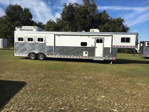 2016 Elite   3 Horse Slant Load Gooseneck Horse Trailer With Living Quarters