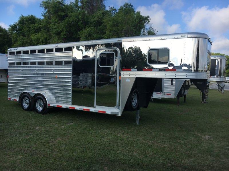 2014 Sooner Combo  4 Horse Slant Load Gooseneck Horse Trailer