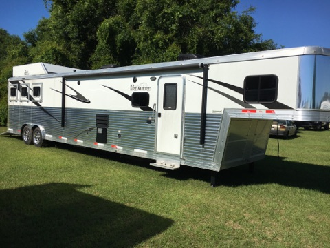 2016 Bison Premier Super Slide  3 Horse Slant Load Gooseneck Horse Trailer With Living Quarters SOLD!!!