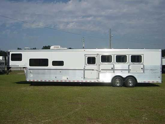 2007 Sundowner 8014  4 Horse Slant Load Gooseneck Rental Trailer With Living Quarters