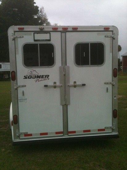 2002 Sooner with 4 x 8 Dressing Room  2 Horse Slant Load Gooseneck Horse Trailer