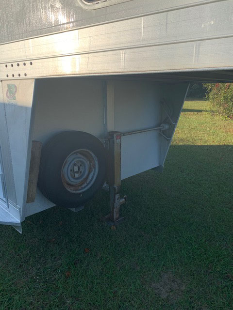 2008 4 Star   2 Horse Slant Load Gooseneck Horse Trailer SOLD!!!
