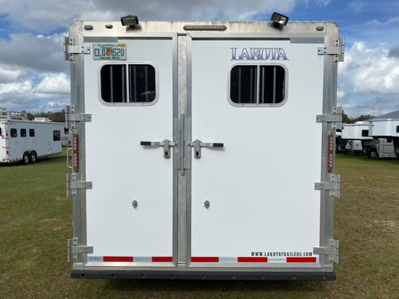 2008 Lakota   4 Horse Slant Load Gooseneck Horse Trailer With Living Quarters