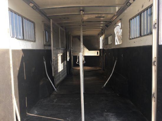 2006 Cimarron   6 Horse Slant Load Gooseneck Horse Trailer SOLD!!!