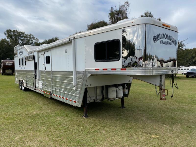 2011 Bloomer Reverse Load  4 Horse Gooseneck Horse Trailer With Living Quarters