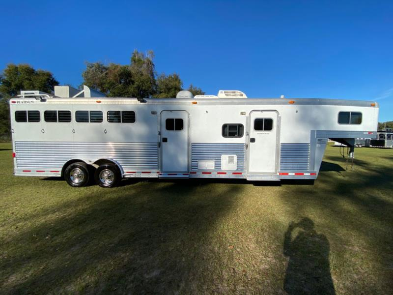 2005 Platinum   4 Horse Slant Load Gooseneck Horse Trailer With Living Quarters