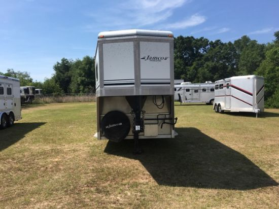 2004 Jamco   2 Horse Straight Load Gooseneck Horse Trailer SOLD!!!