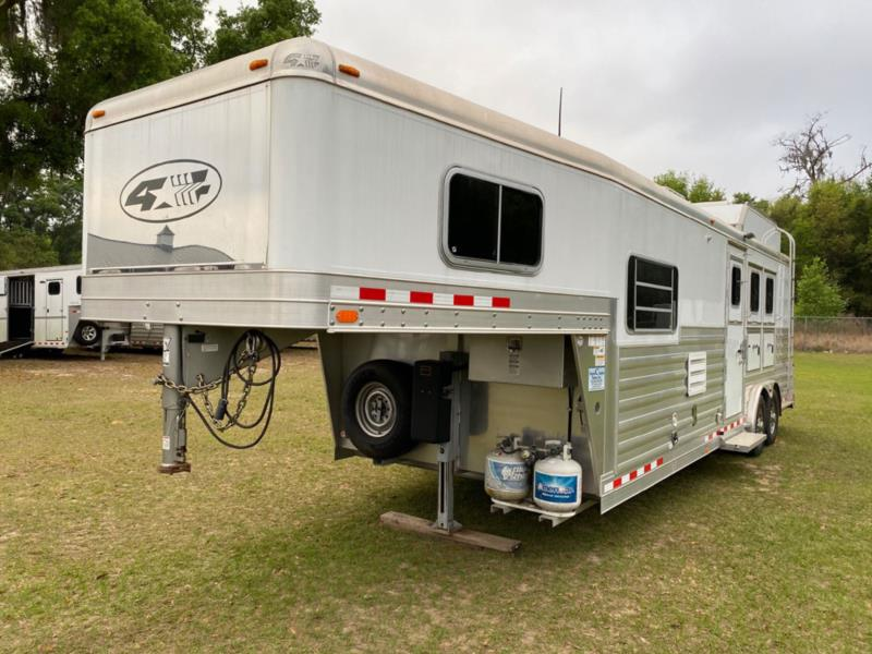 2013 4 Star   3 Horse Horse Trailer With Living Quarters SOLD!!!