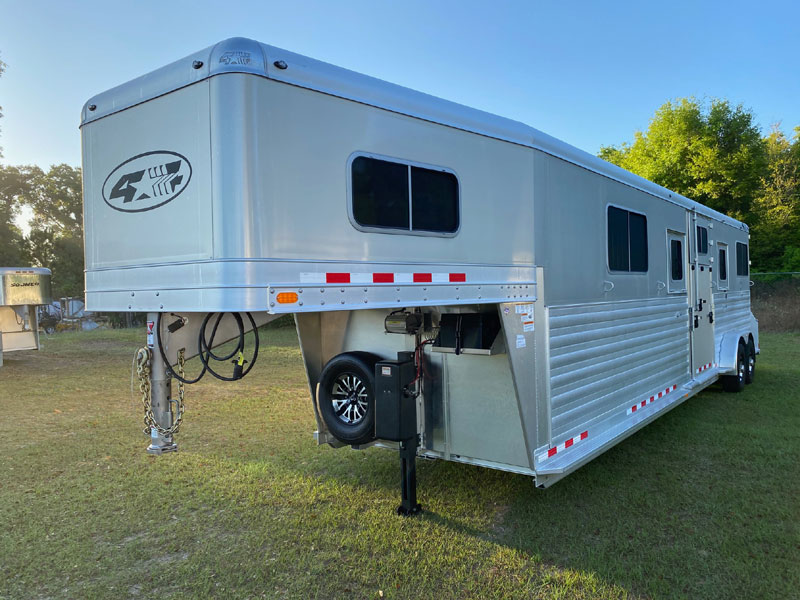 2021 4 Star with Dressing Room  4 Horse Straight Load Gooseneck Horse Trailer