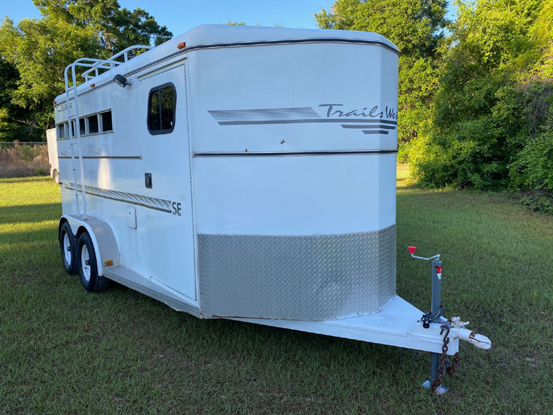 1999 Trails West Stock Combo  3 Horse Slant Load Bumperpull Horse Trailer