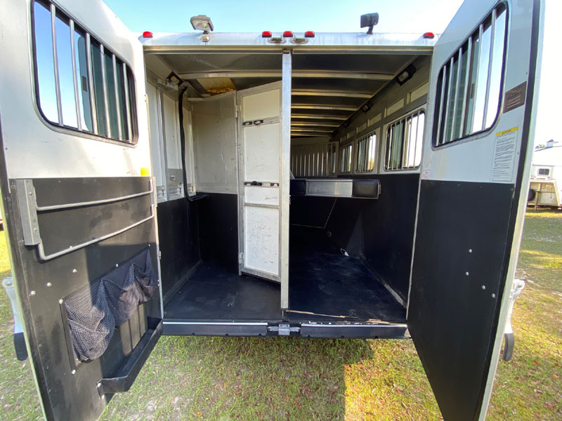 2007 Sundowner 14'  4 Horse Slant Load Gooseneck Horse Trailer With Living Quarters