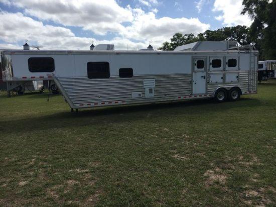 2007 Cimarron 16' Trail Boss Conversion  3 Horse Slant Load Gooseneck Horse Trailer With Living Quarters