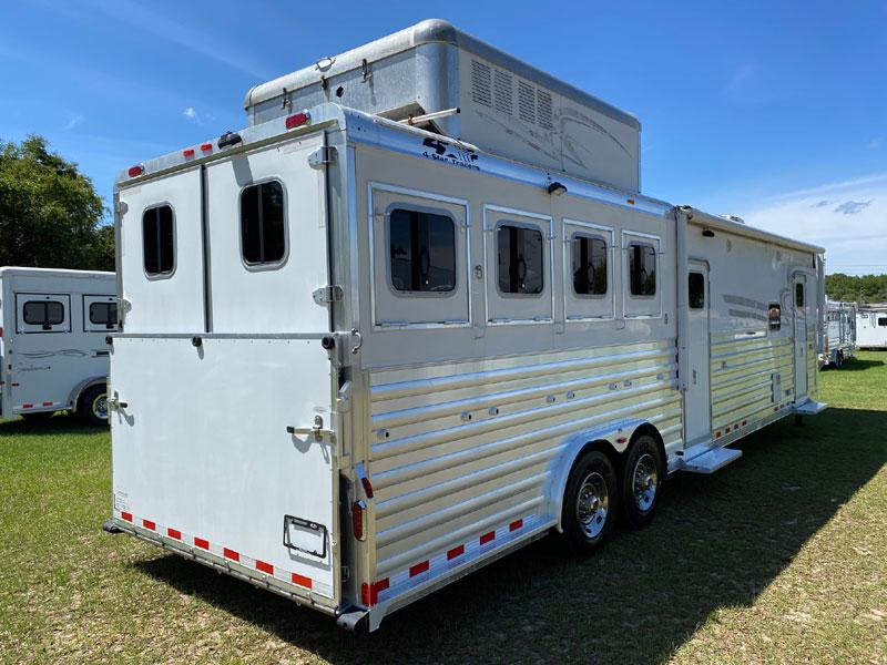 2009 4 Star   4 Horse Slant Load Gooseneck Horse Trailer With Living Quarters SOLD!!!