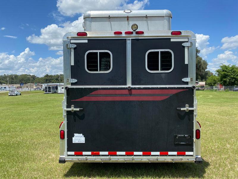 2005 4 Star   5 Horse Slant Load Gooseneck Horse Trailer With Living Quarters SOLD!!!