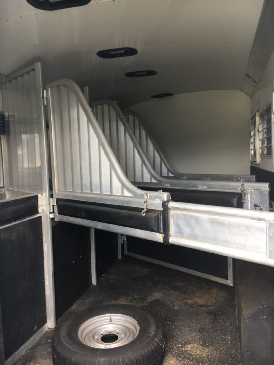 2006 4 Star Outlaw 10th Anniversary Edition  4 Horse Slant Load Gooseneck Horse Trailer With Living Quarters