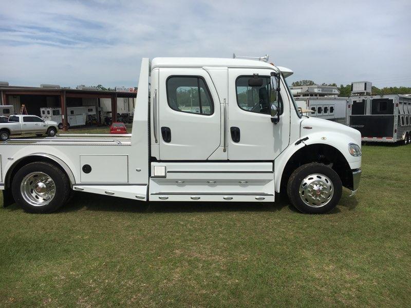 2014 Freightliner  Truck