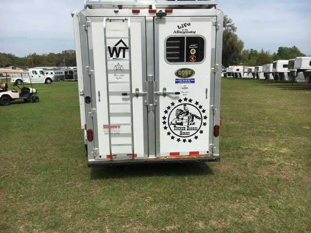 2015 Elite   3 Horse Horse Trailer With Living Quarters