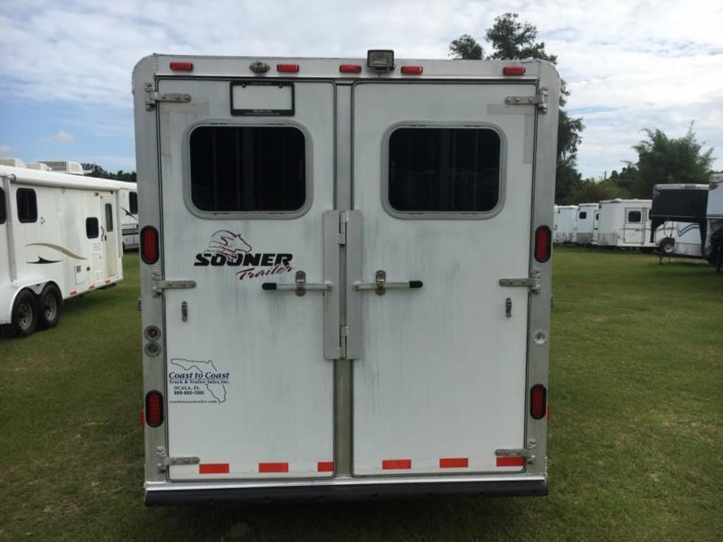 2004 Sooner Weekender  3 Horse Slant Load Gooseneck Horse Trailer With Living Quarters SOLD!!!