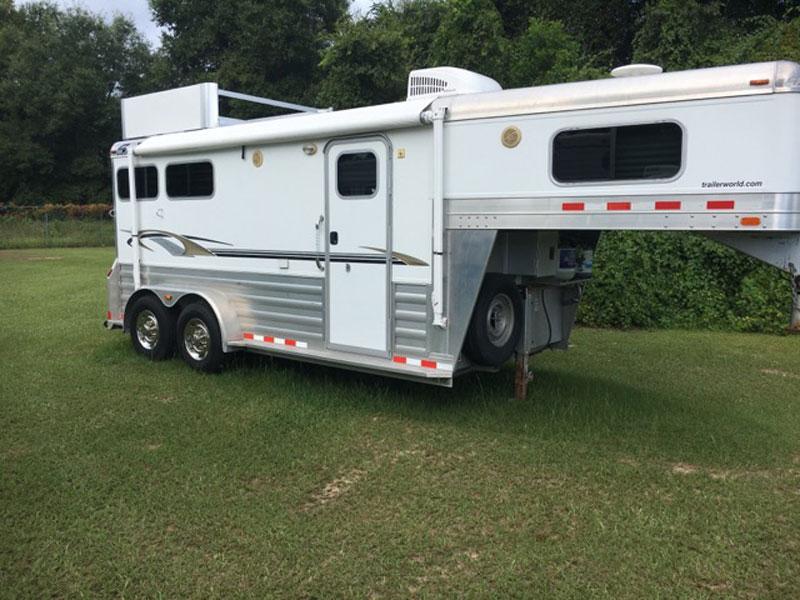 2007 4 Star   2 Horse Slant Load Gooseneck Horse Trailer With Living Quarters SOLD!!!