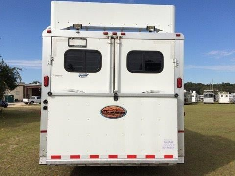 2004 Sundowner   5 Horse Slant Load Gooseneck Horse Trailer With Living Quarters