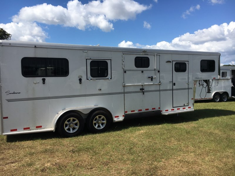 2017 Sundowner 2 + 1  2 Horse Straight Load Gooseneck Horse Trailer