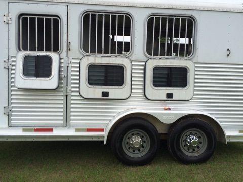 2003 Exiss Stock Combo  3 Horse Slant Load Gooseneck Horse Trailer