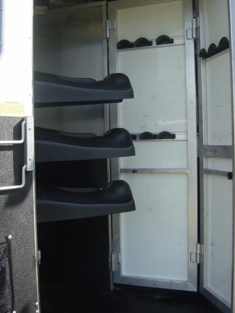 2007 Sundowner 8014  4 Horse Slant Load Gooseneck Rental Trailer With Living Quarters