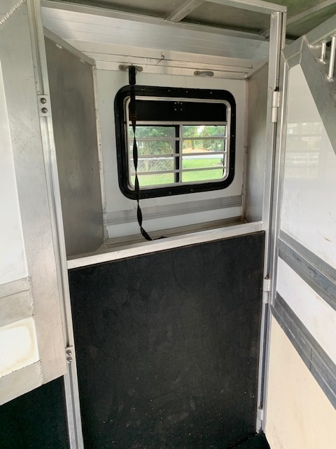 2001 Jamco Extra Wide and Extra Tall  4 Horse Slant Load Gooseneck Horse Trailer With Living Quarters SOLD!!!