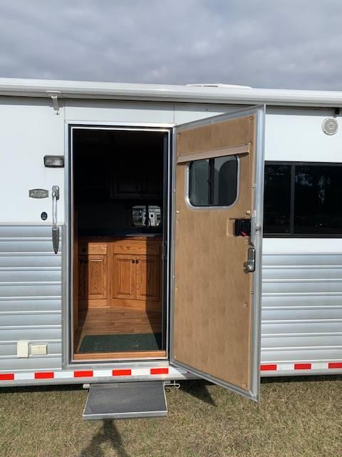 2012 Hart   4 Horse Slant Load Gooseneck Horse Trailer With Living Quarters SOLD!!!