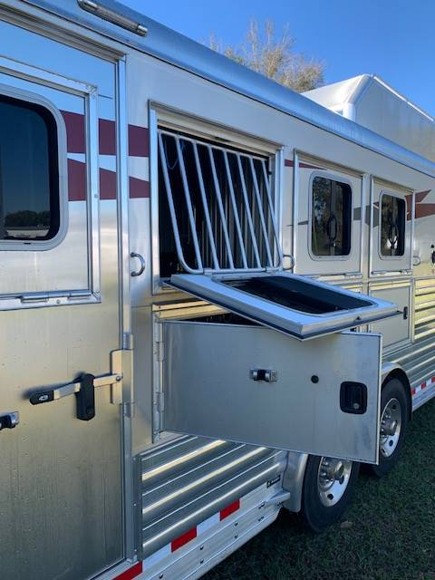 2020 4 Star Side Load  4 Horse Gooseneck Horse Trailer With Living Quarters SOLD!!!